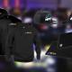 Billede der indeholder NPFS merchandise. En hoodie, t shirt, polo og kasket